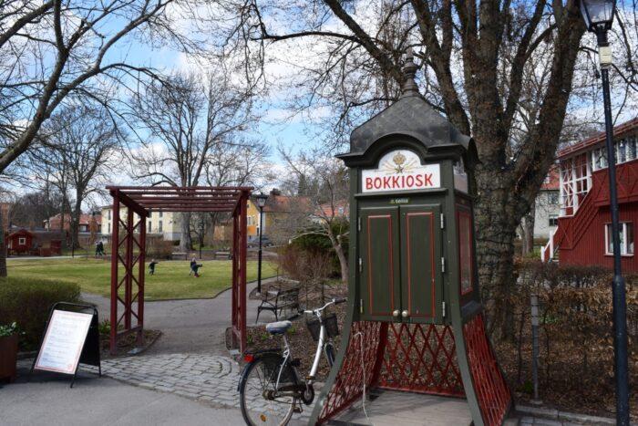 Bokkiosk, telephone booth, telefonkiosk, Sigtuna, Uppland, Sweden