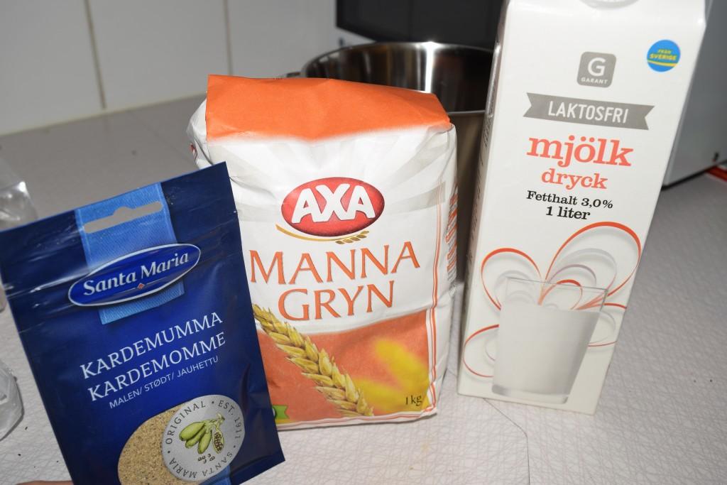 The Åland Pancake, Ålandspankaka, Milk, Mjölk, semolina, Mannagryn, cardamom, Kardemumma
